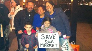 Milton Keynes' market traders turned up to a council meeting to voice concerns over relocation